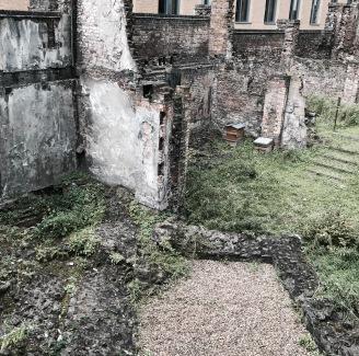 Edgeland_wall